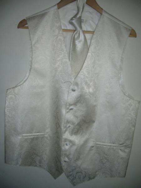 Ivory-Color-Vest-Set-10494.jpg