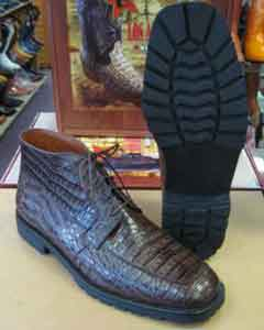 All crocodile skin Botines